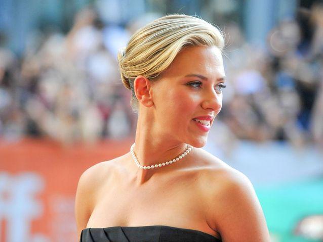 Le chignon mat de Scarlett Johansson