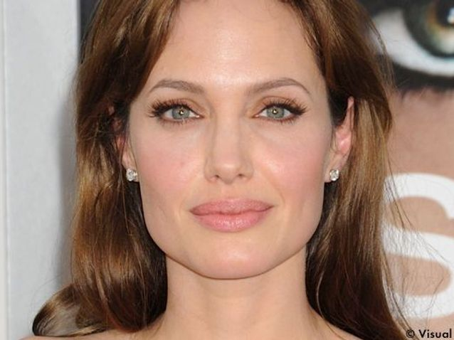 Comment se faire le make-up d'Angelina Jolie ?