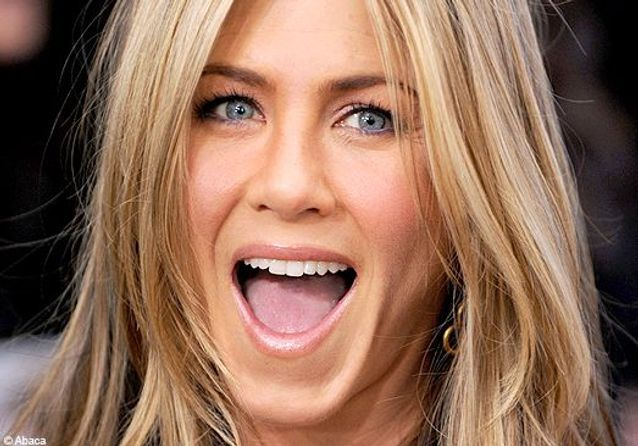 Comment se faire le make-up de Jennifer Aniston ?