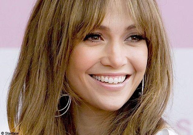 Jennifer Lopez commente ses looks préférés