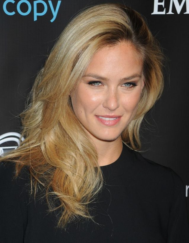 Le maquillage nude de Bar Refaeli