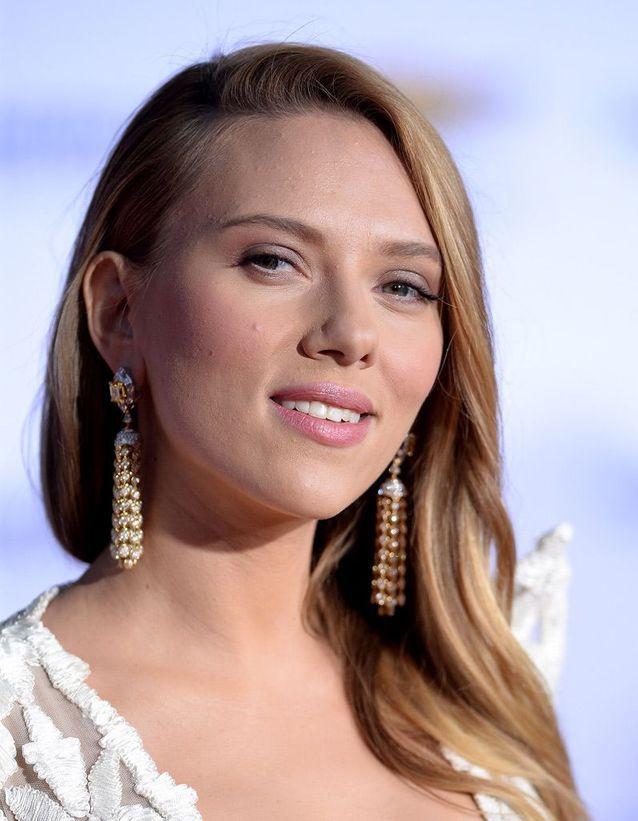 Le maquillage nude de Scarlett Johansson