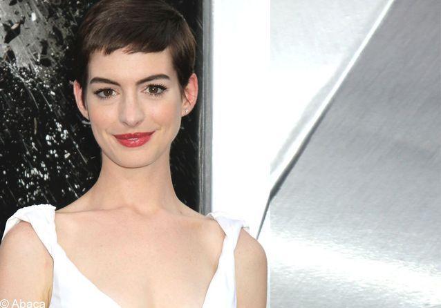 On veut toutes le beauty look d'Anne Hathaway
