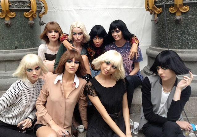Dans le backstage pop du défilé Chanel…
