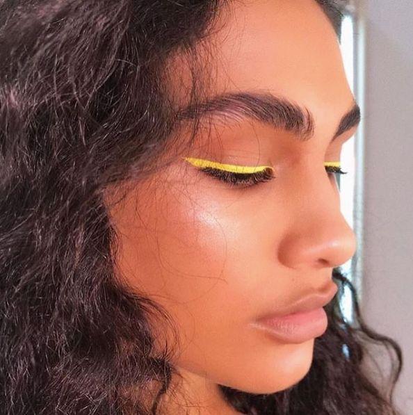 Eye liner neon jaune