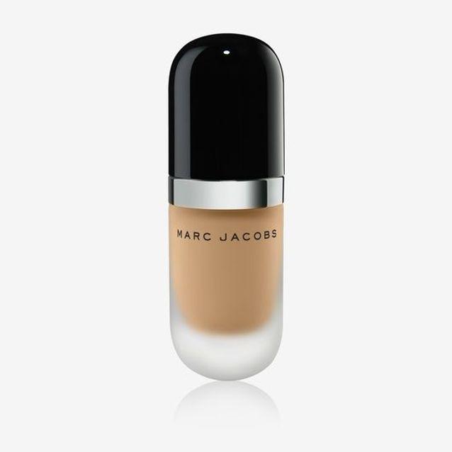 Fond de teint couvrant et léger Marc Jacobs Beauty