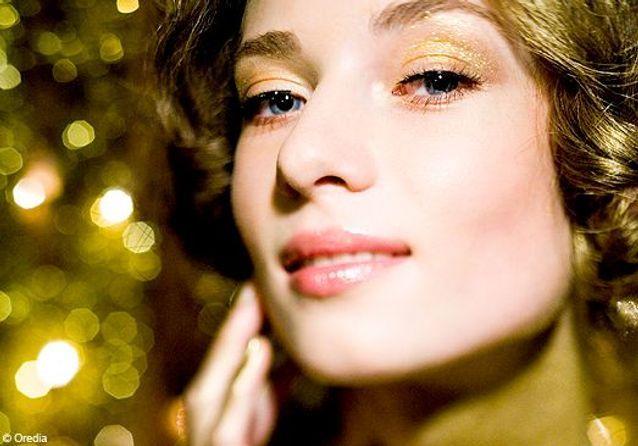 Golden make-up