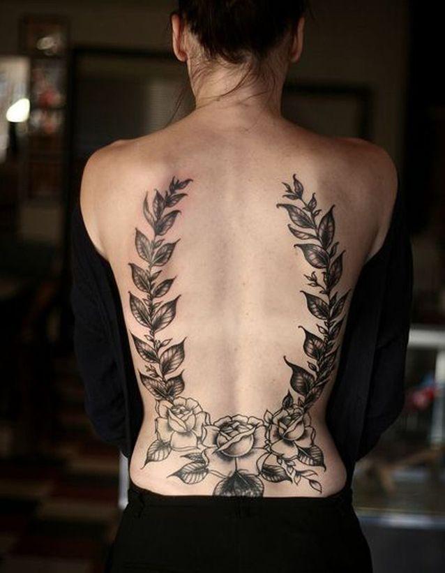 Idée tatouage : du laurier dans le dos