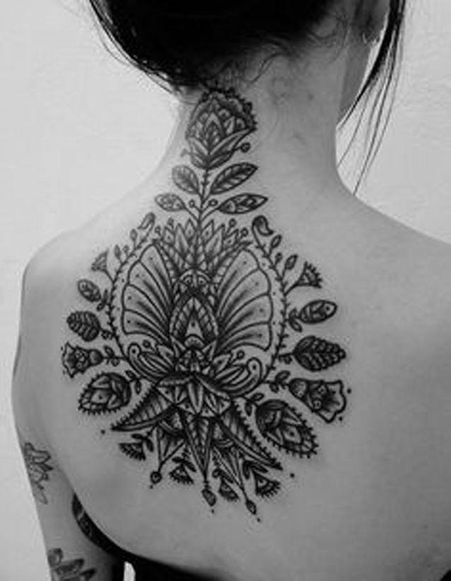 Idée tatouage : une création florale