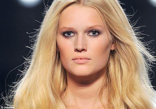 Make-up : le gris lilas
