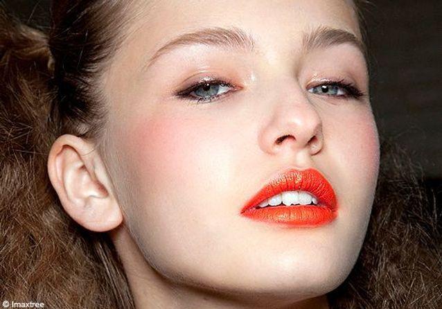 Make-up : le rouge d'été