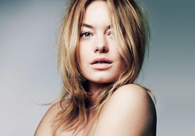 Make-up : les jeux de rôle de Camille Rowe