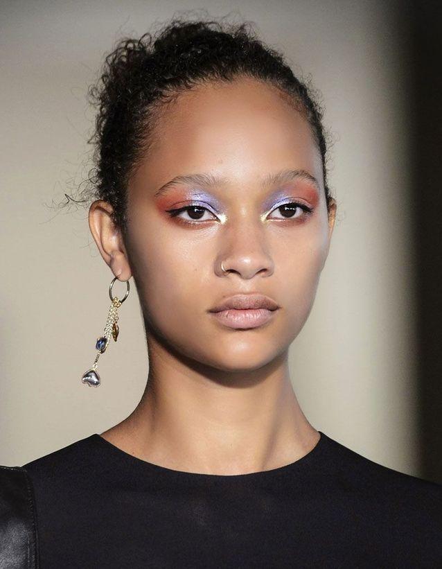Maquillage pailleté yeux