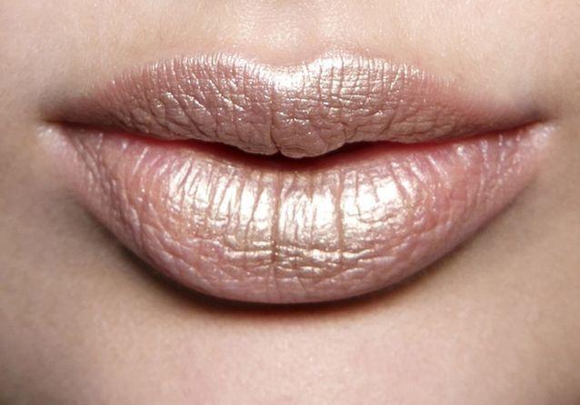 Maquillage effet bouche pulpeuse