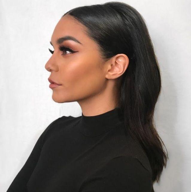 Le maquillage pêche profond de Vanessa Hudgens