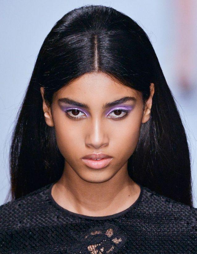 Maquillage Réveillon Brune