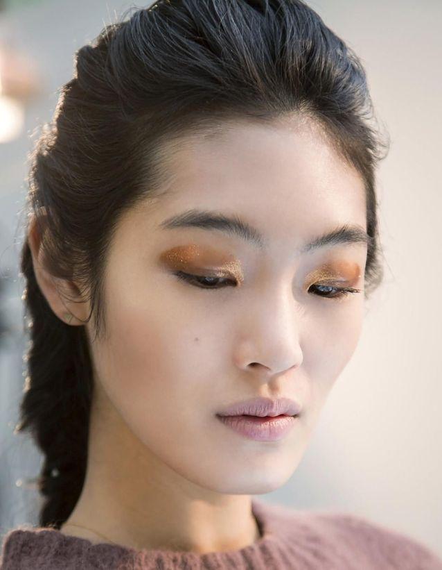 Maquillage Réveillon ocre