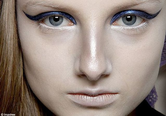 Paris : maquillage des podiums hiver 2010/2011 - Troisième jour