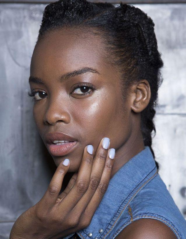 Maquillage Peaux Noires - YouTube