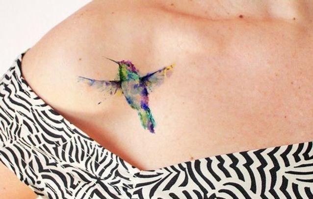 Tatouage aquarelle colibri