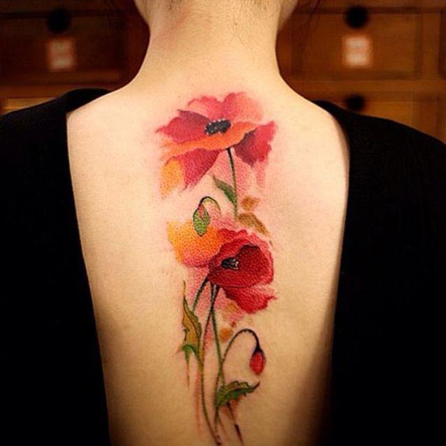 Tatouage aquarelle omoplate