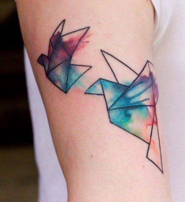 Tatouage aquarelle origami