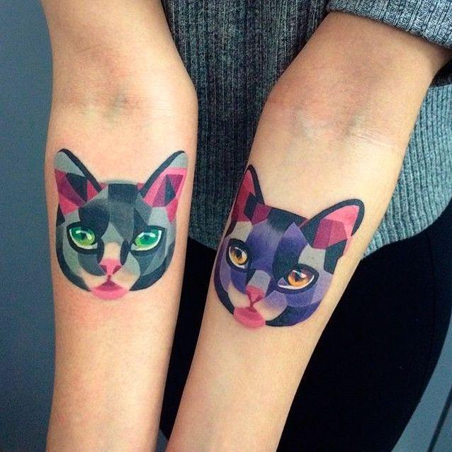Tatouage chat en couleurs