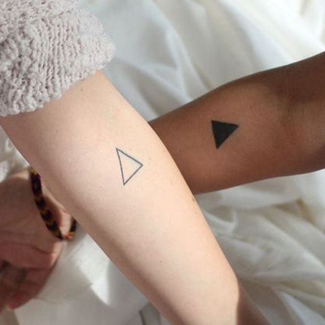 Tatouage couple triangle