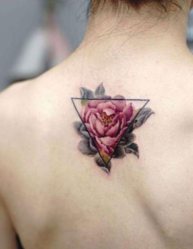 Tatouage Dos En Couleur Ces Tatouages De Dos Qu On A Envie De Devoiler Elle