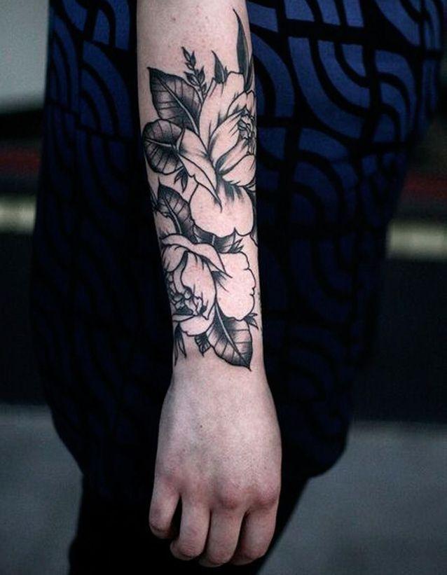 Tatouage fleur avant,bras , 20 tatouages fleuris qui font