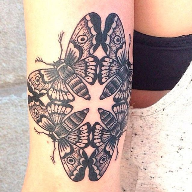 Tatouage papillon original