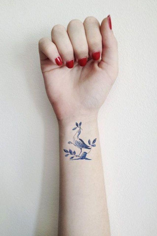 Tatouage Poignet Femme Oiseau Tatouage 40 Jolies Idees Pour Nos Poignets Elle
