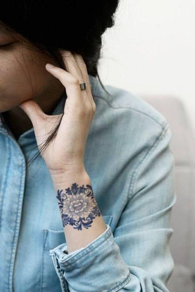 Tatouage Poignet 40 Idees De Tatouages Poignets Elle