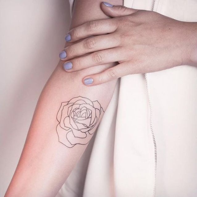 Tatouage Rose Bras Femme Ces Tatouages De Rose Qui Ne Faneront Jamais Elle