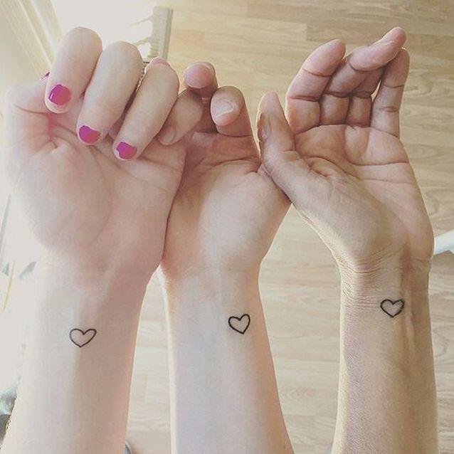 Motif tatouage soeurs