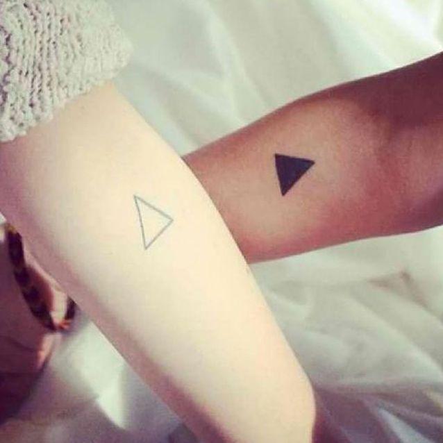 tatouage pour soeurs 15 id es de tatouages faire entre. Black Bedroom Furniture Sets. Home Design Ideas