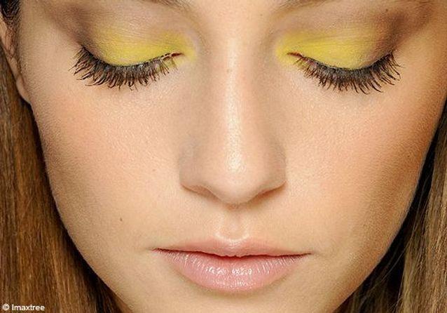 Tendance make-up : j'ose le jaune cet été