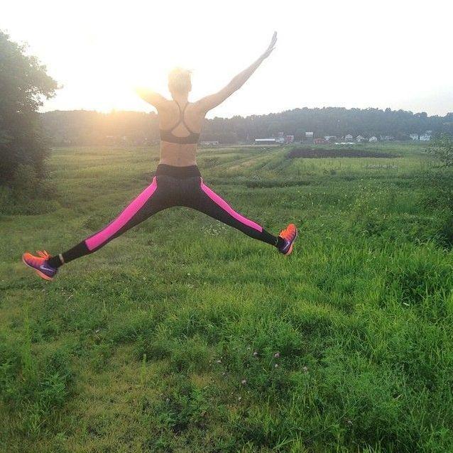 Le saut sportif de Karlie Kloss