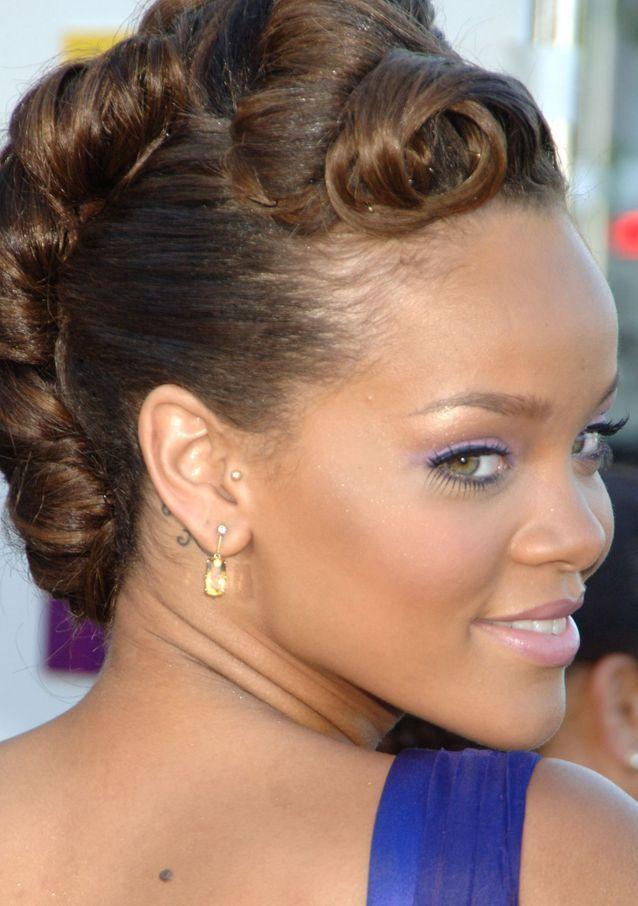 Rihanna et son piercing tragus