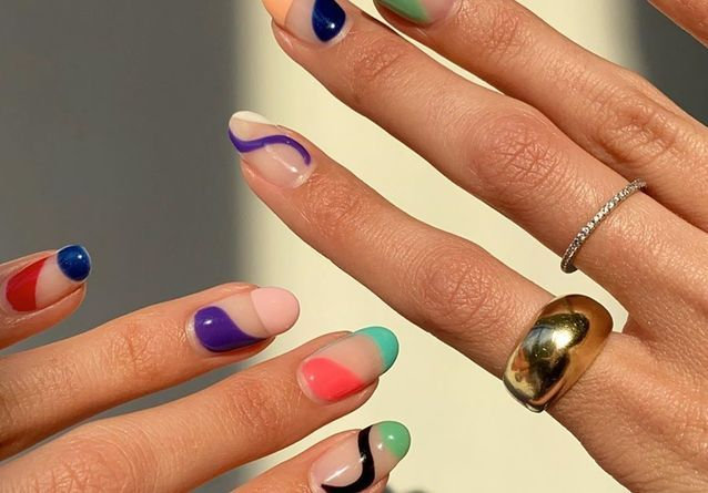 Abstract Nails : la manucure colorée qui envahit Instagram