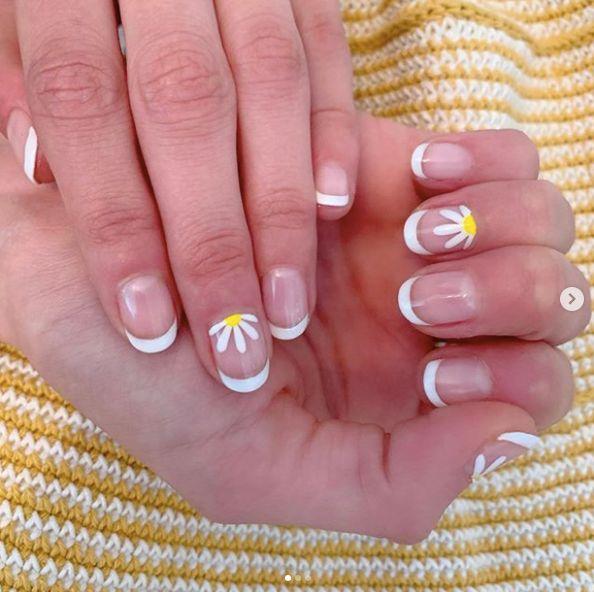 La Floral Nail Art de Gigi Hadid