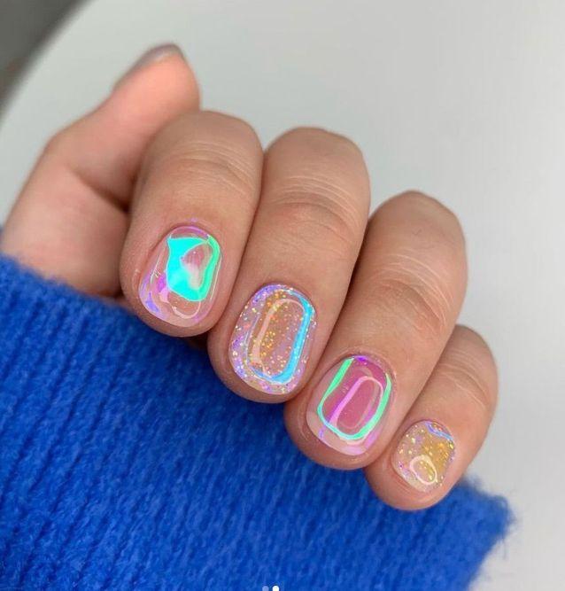 Aurora Nails avec paillettes