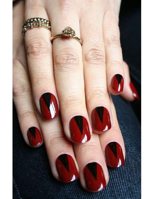 La manucure rouge et noir