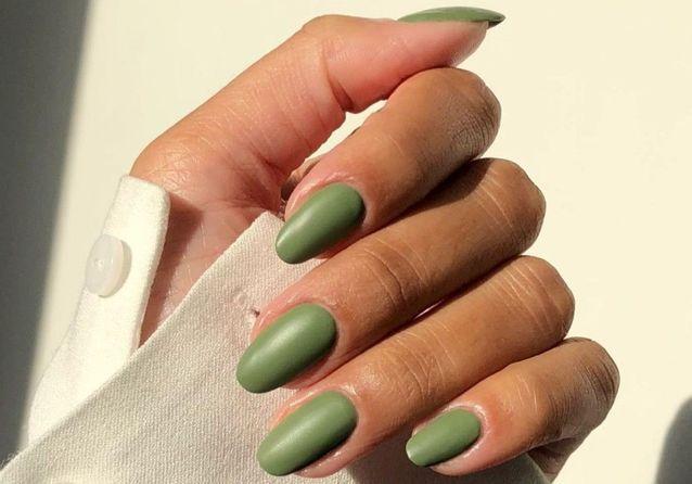 Matte nails : cette tendance manucure qui va faire l'automne