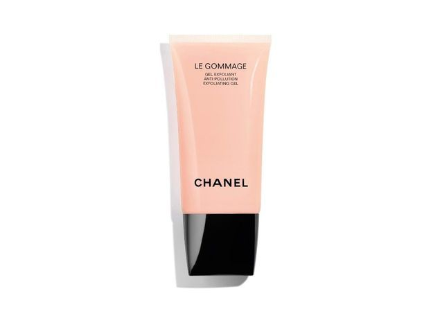 Le gommage, Chanel