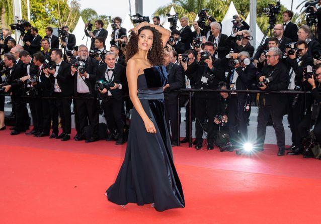 Tina Kunakey: Un mois après son accouchement, elle fait le buzz au festival de Cannes