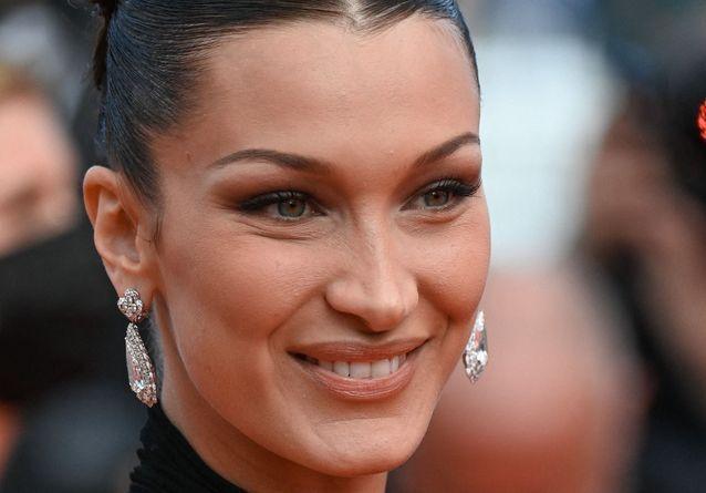 Cannes 2021 : Bella Hadid s'affiche avec cette sublime coiffure rétro qu'on voit partout