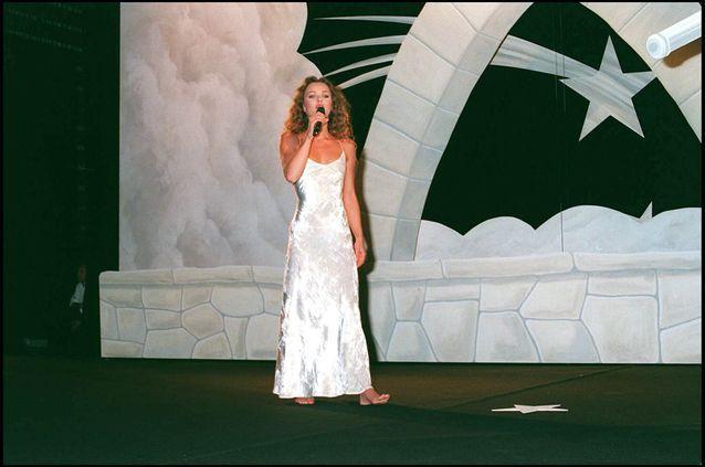 Vanessa Paradis et sa robe moulante au Festival de Cannes