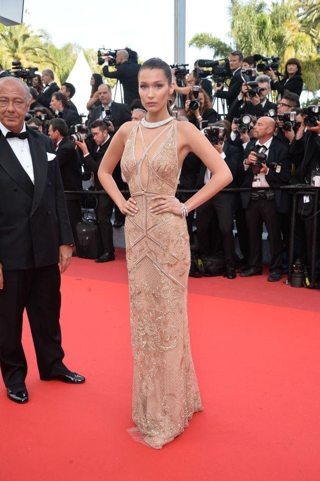 Robe Cannes Bella Hadid