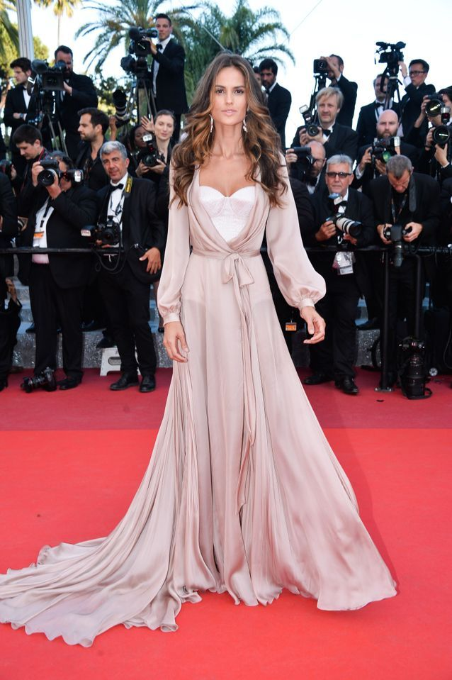 Robe Cannes Izabel Goulart